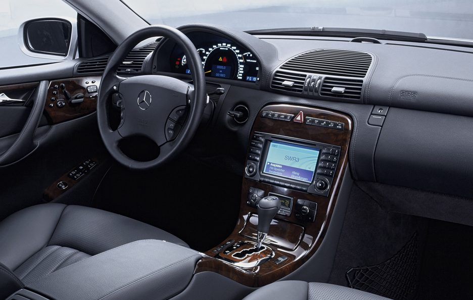 33 - Mercedes CL C215 AMG interni