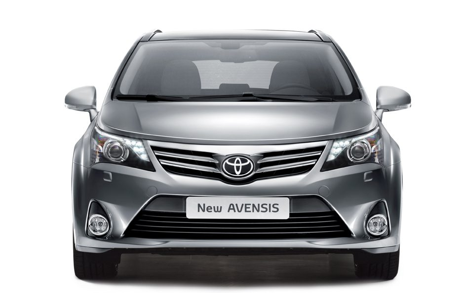 6 - Toyota Avensis Wagon terza generazione restyling frontale