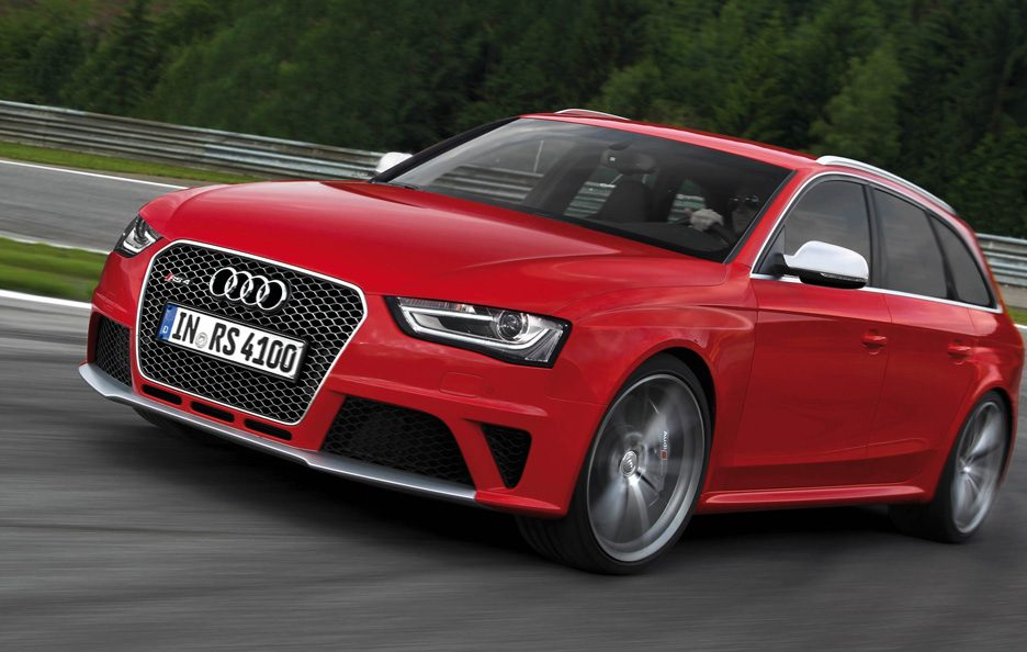 Audi RS4 Avant - Frontale in motion