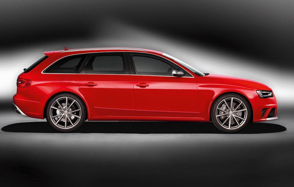 Audi RS4 - Laterale