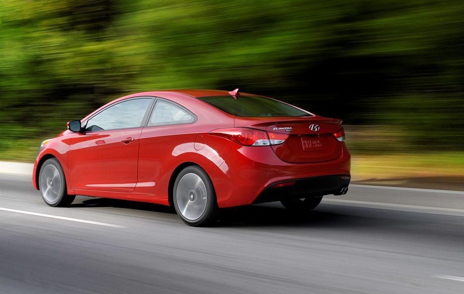 Hyundai Elantra Coupe - Posteriore in motion
