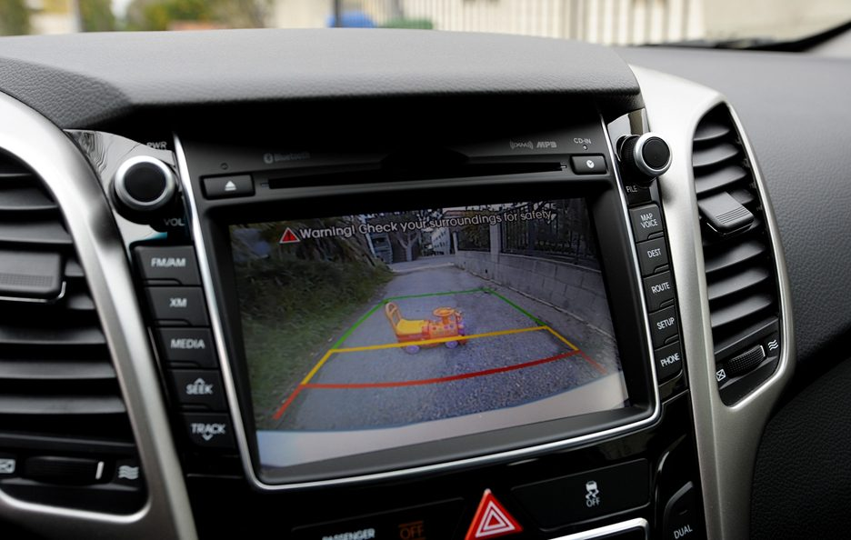 Hyundai Elantra GT - Display