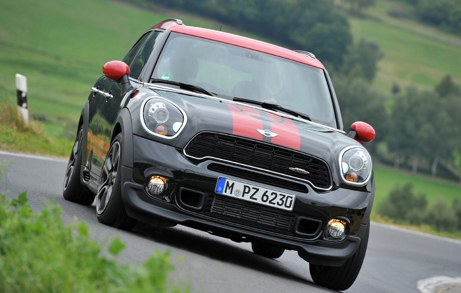 Mini Countryman John Cooper Works - Frontale in motion