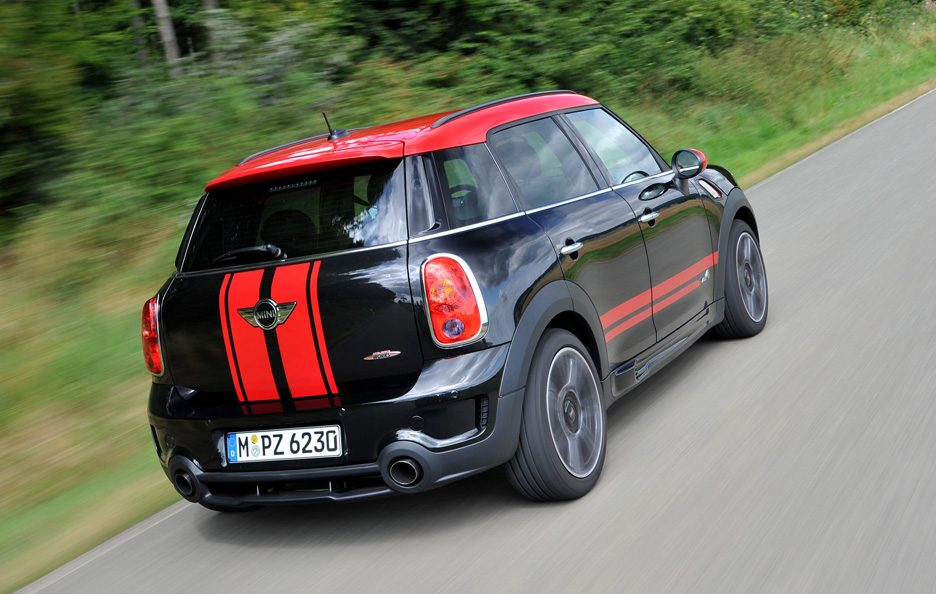 Mini Countryman John Cooper Works - Il profilo posteriore alto in motion