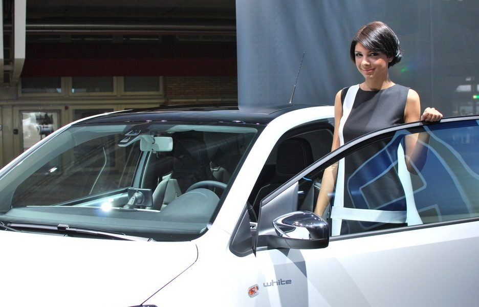 Motor Show 2011 - Volkswagen white up!  - Il sorriso