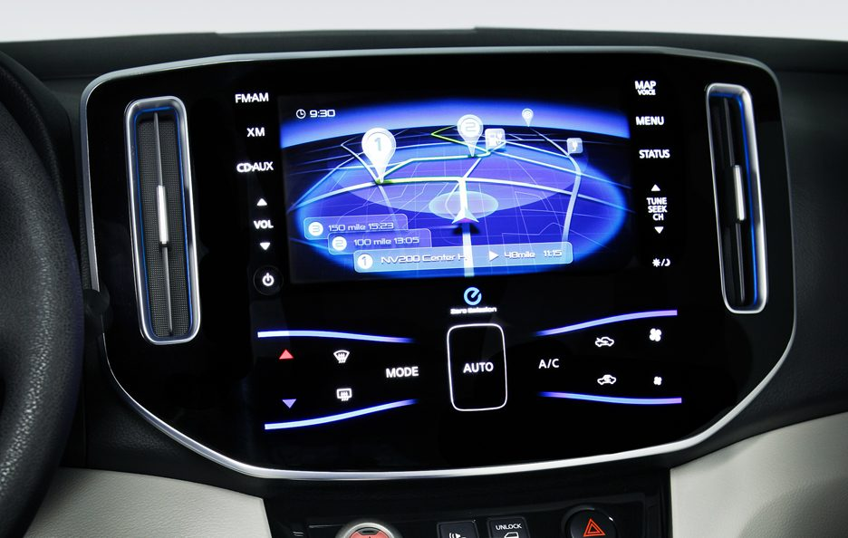 Nissan e-NV 200 - Display plancia centrale