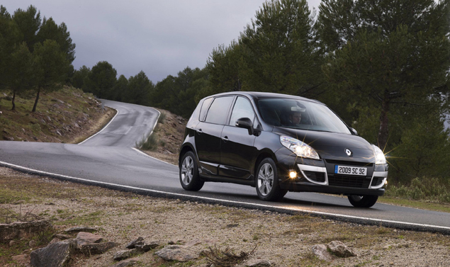 Renault Scenic - Tra le curve