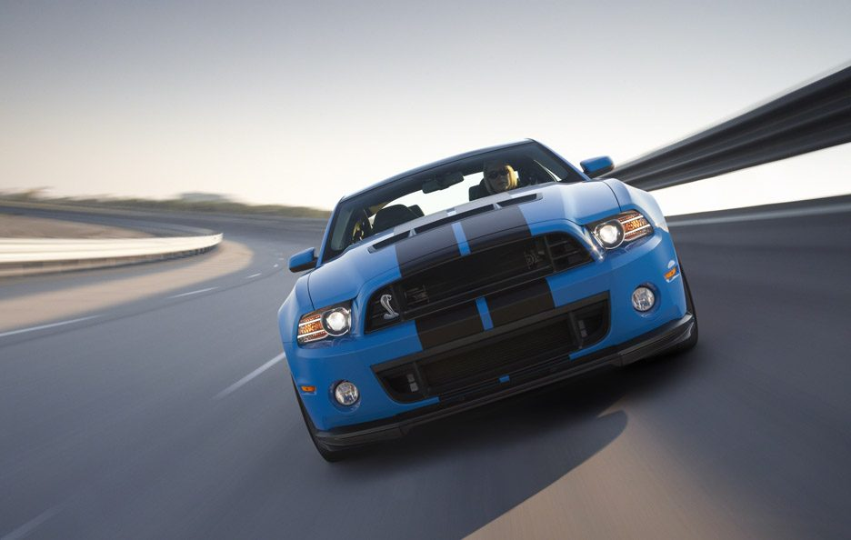 Shelby GT 500 - Frontale in motion