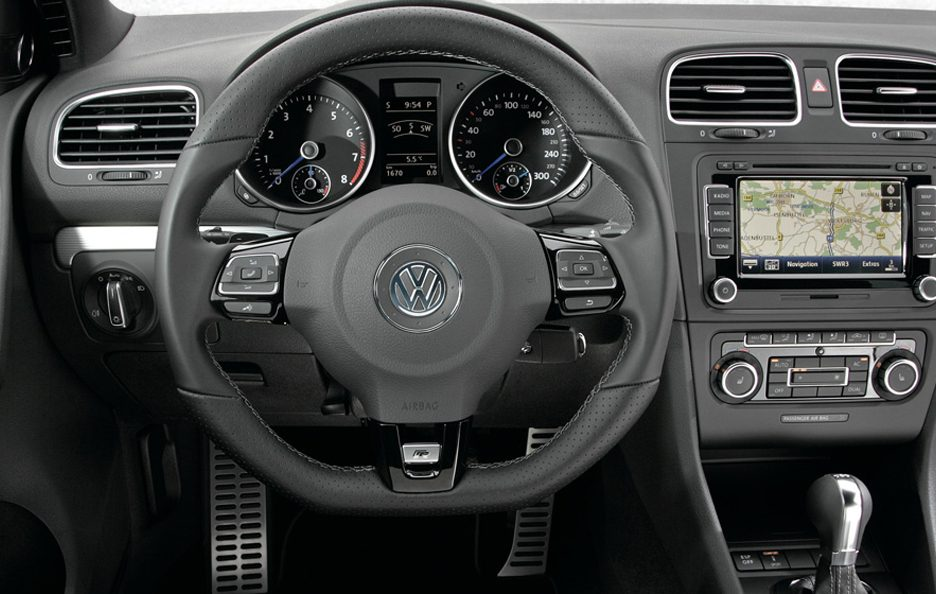 Volkswagen Golf R Interni
