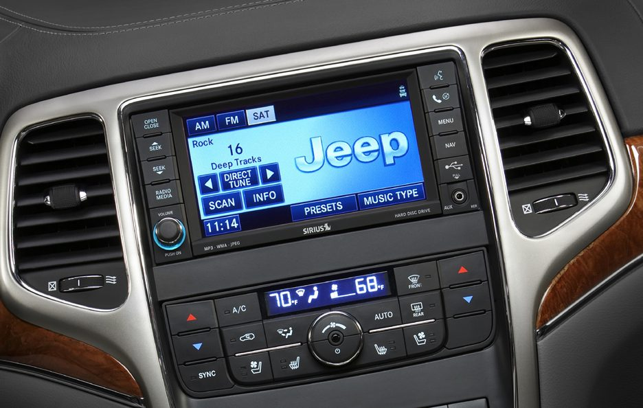 10 - Jeep Grand Cherokee WK2 consolle centrale