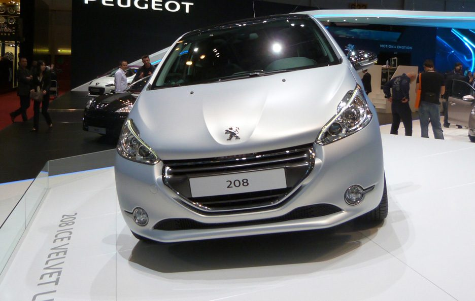 Ginevra 2012 - Peugeot 208 frontale