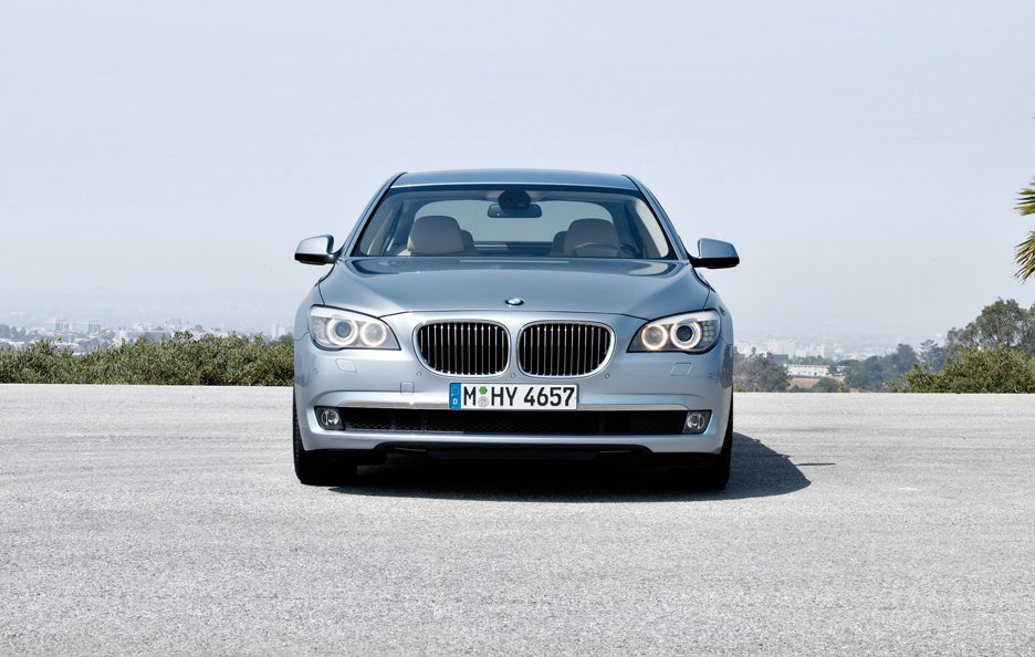 15 - BMW ActiveHybrid 7L frontale