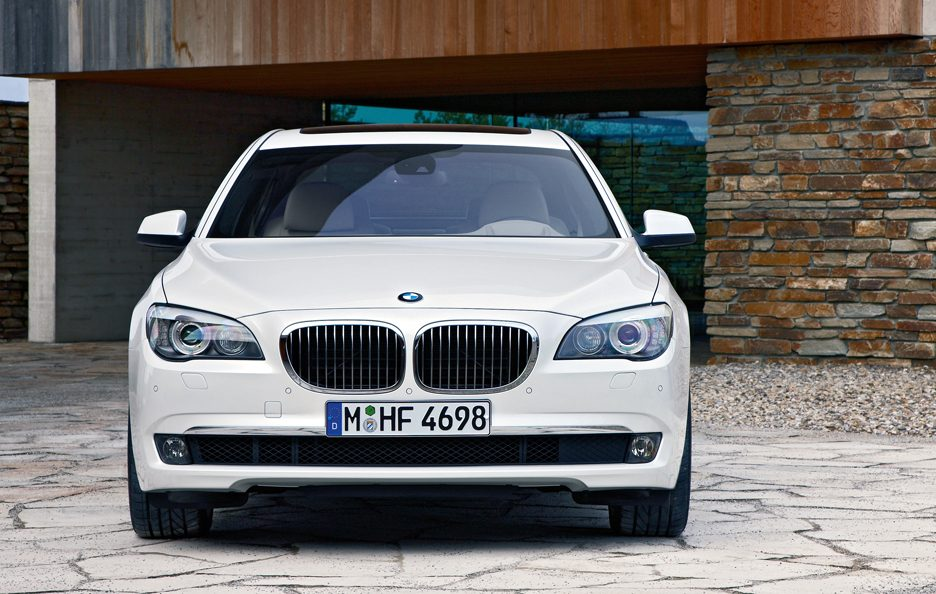 2 - BMW serie 7 F01 frontale