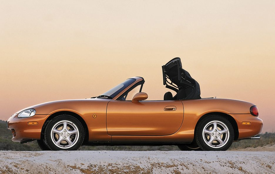 26 - Mazda MX-5 NB apertura tetto