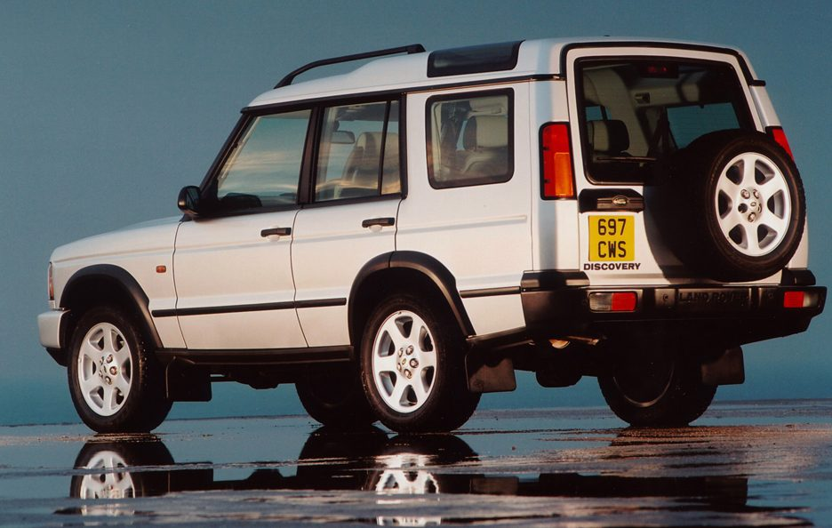29 - Land Rover Discovery Series 2 restyling tre quarti posteriore