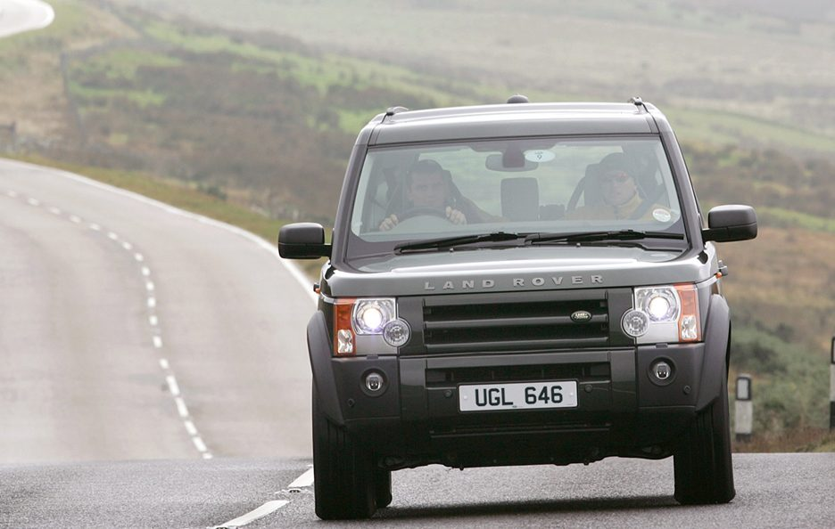 34 - Land Rover Discovery 3 frontale