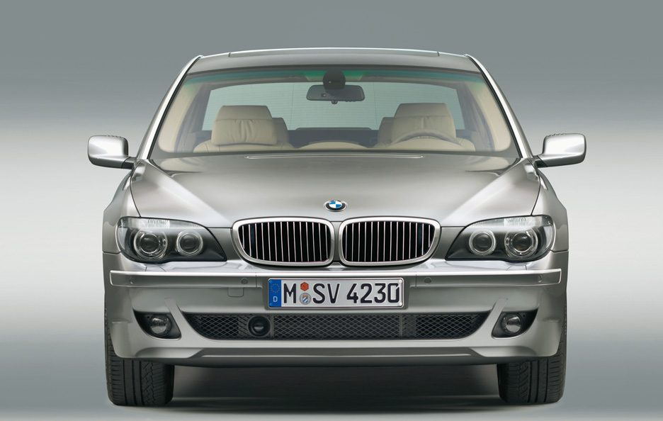 44 - BMW serie 7 E65 restyling frontale