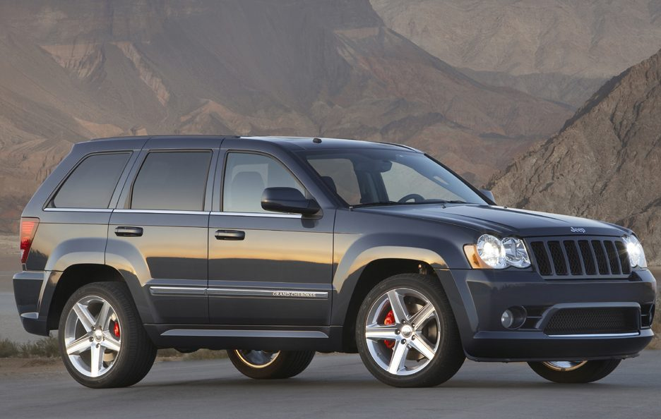 48 - Jeep Grand Cherokee WK SRT-8