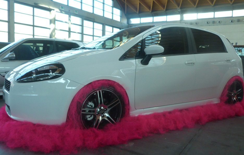 Fiat Grande Punto Pink -  laterale