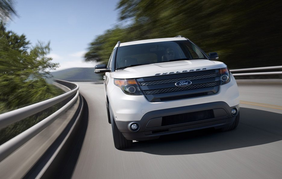 Ford Explorer Sport - Il muso in motion