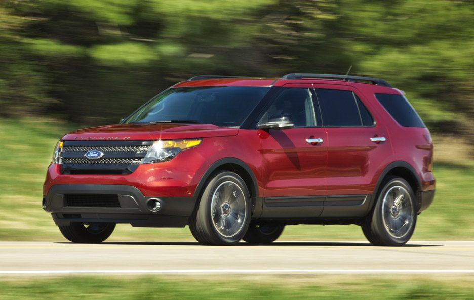 Ford Explorer Sport - RED - In motion
