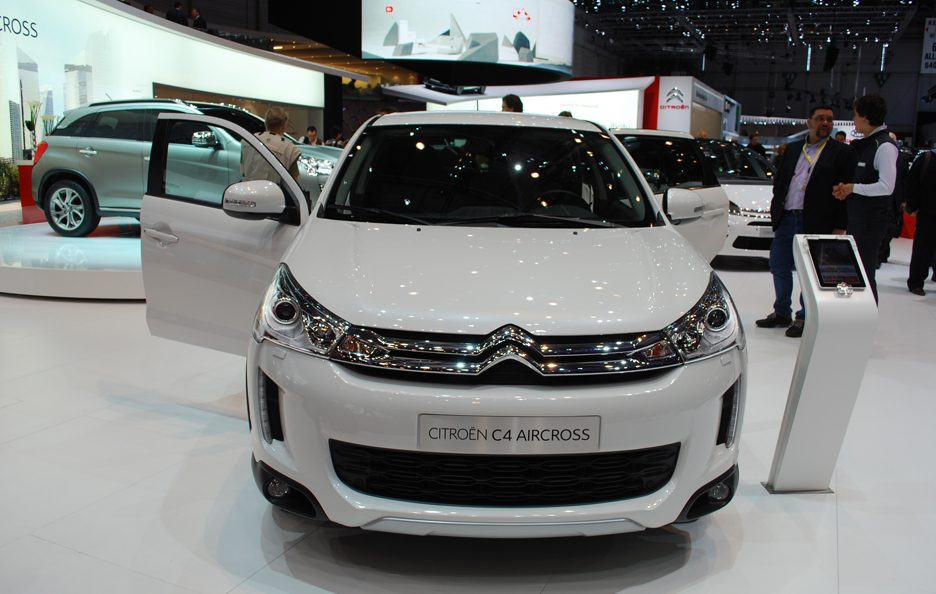 Ginevra 2012 - Citroen - C4 Aircross - Frontale