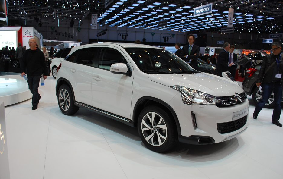 Ginevra 2012 - Citroen - C4 Aircross - Linea laterale