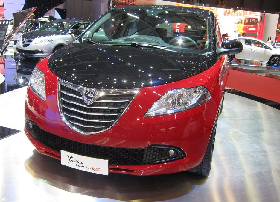 Ginevra 2012 - Lancia Ypsilon Black & Red