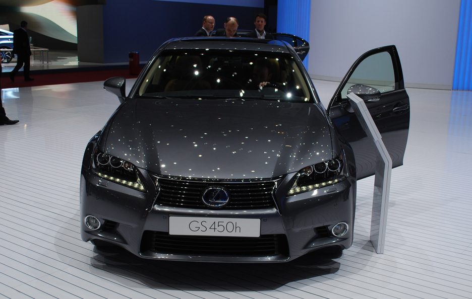 Ginevra 2012 - Lexus GS frontale