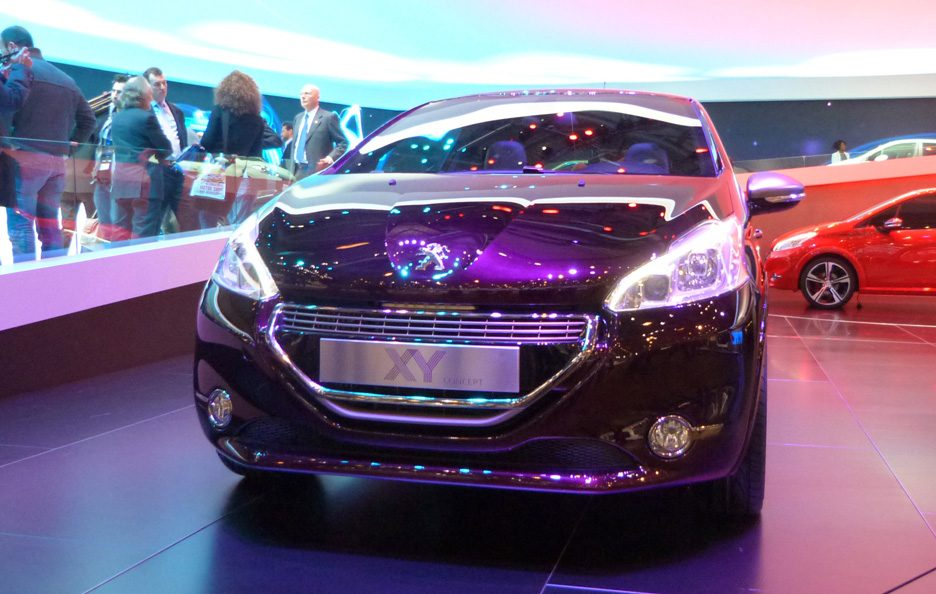 Ginevra 2012 - Peugeot 208 XY Concept frontale