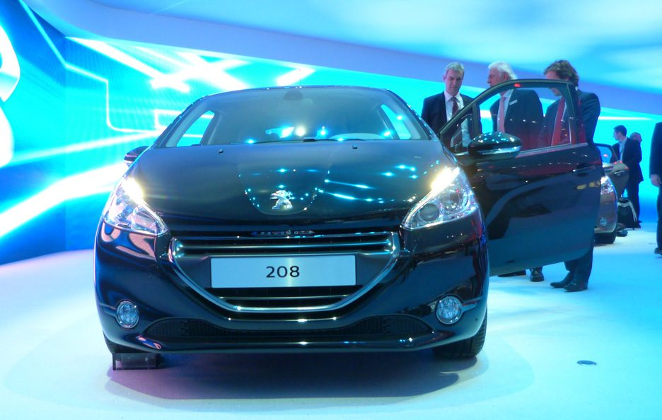Ginevra 2012 - Peugeot 208 frontale 2