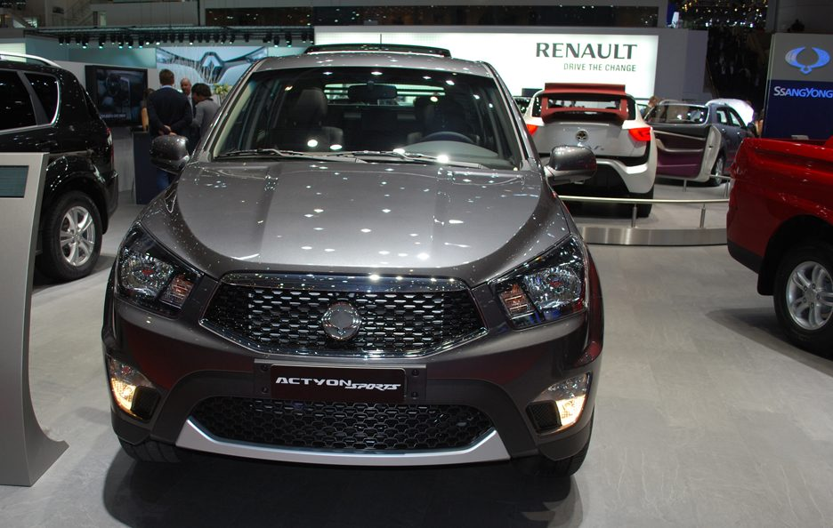 Ginevra 2012 - Ssangyong Actyon Sports frontale 3