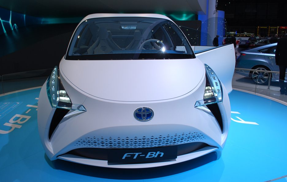 Ginevra 2012 - Toyota FT-Bh frontale 2