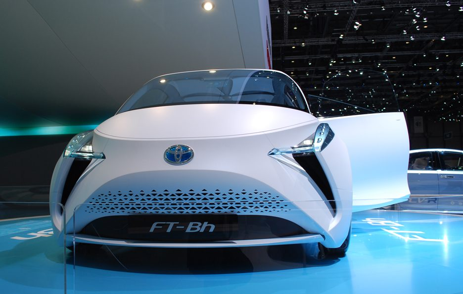 Ginevra 2012 - Toyota FT-Bh frontale