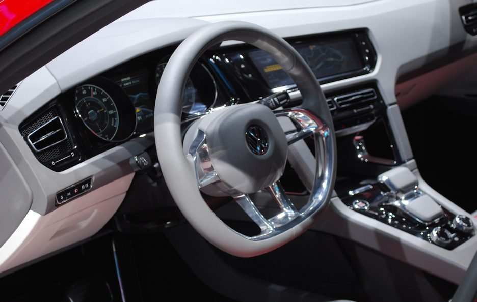 Ginevra 2012 - Volkswagen Cross Coupé interni 3