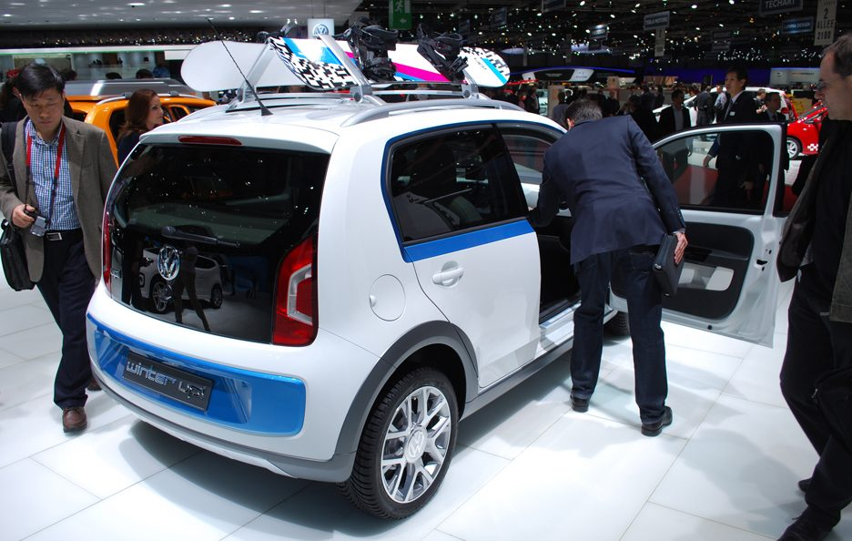Ginevra 2012 - Volkswagen winter up! tre quarti posteriore
