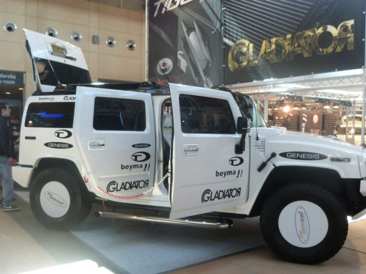 Hummer H2 Top Sound: audio al massimo