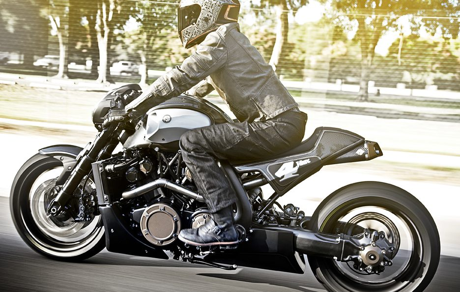 Yamaha VMAX Hyper Modified by Roland Sands (1)