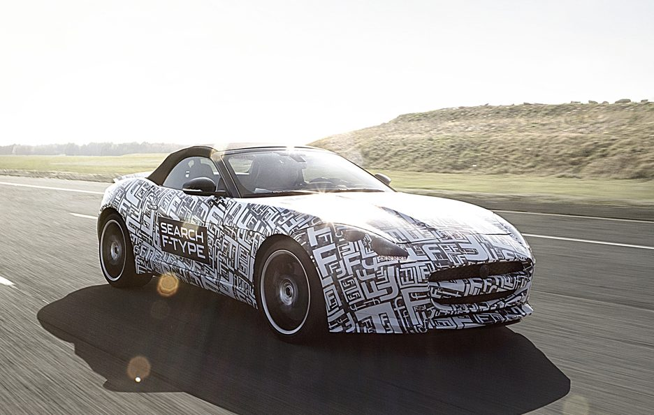 Jaguar F-Type - Anteriore in motion