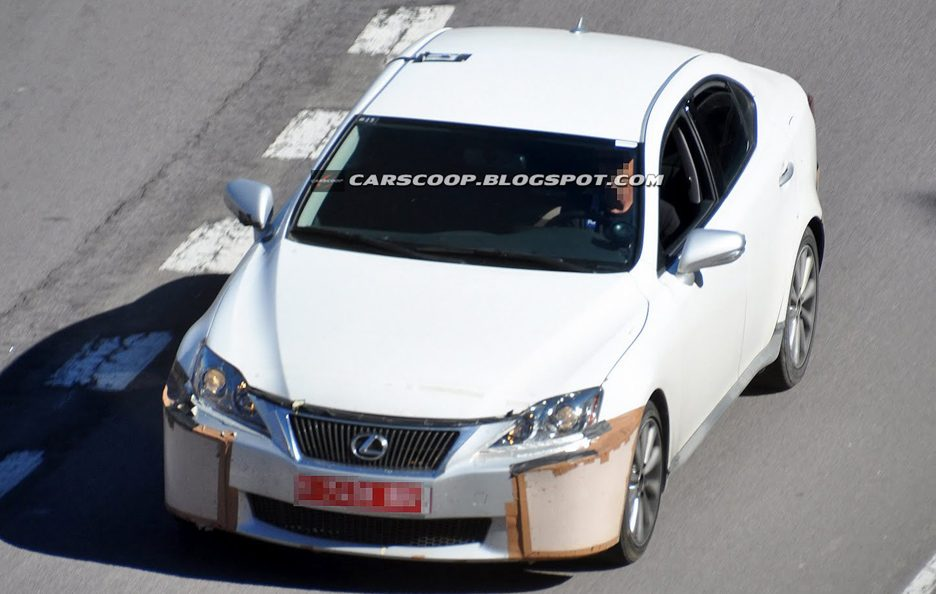 Lexus IS 2014 - Anteriore