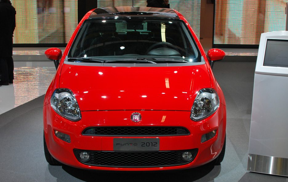 9 - Motor Show 2011 - Fiat Punto frontale 2