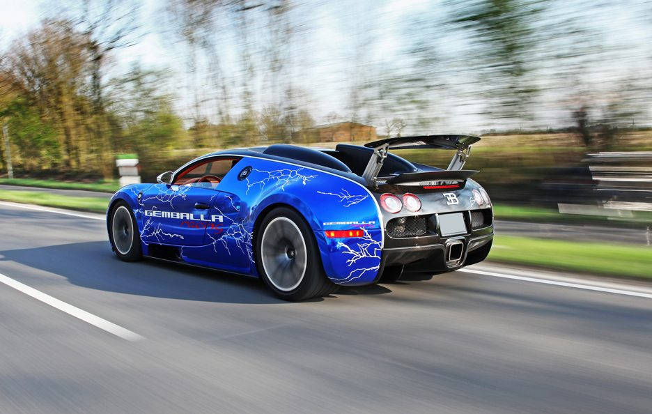 Bugatti Veyron Sang Noir by Cam Shaft - Profilo posteriore in motion
