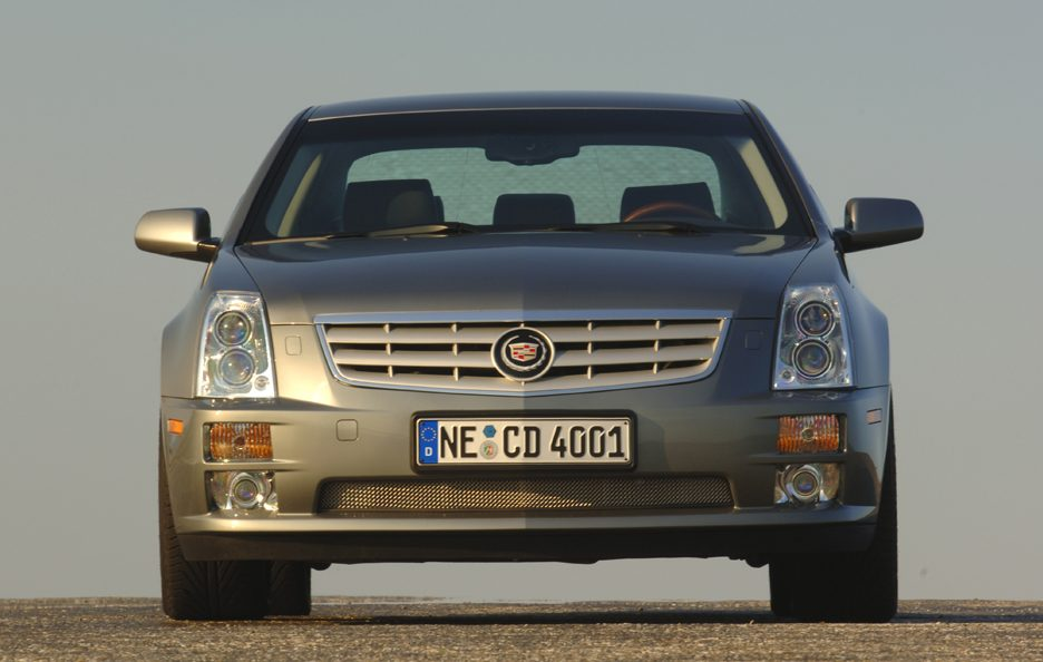 Cadillac STS frontale