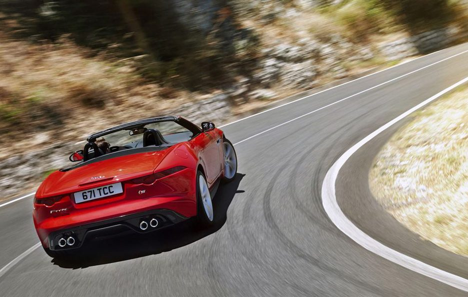 Jaguar F-Type - In curva