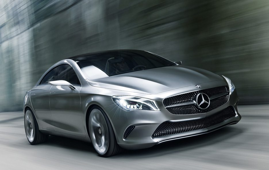 Mercedes Concept Style Coupé - Frontale in motion