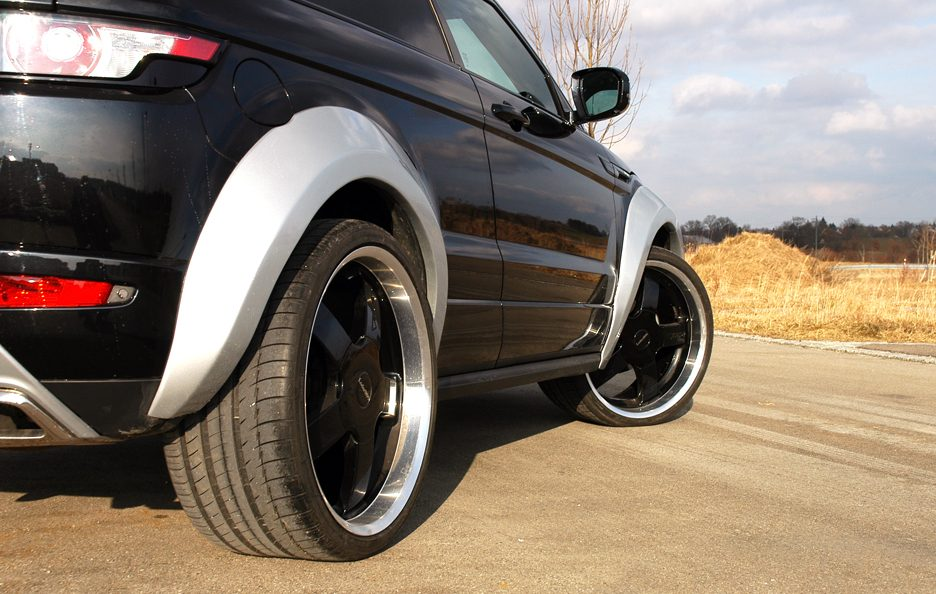 Range Rover Evoque Horus by Loder 1899 - Stacco laterale basso