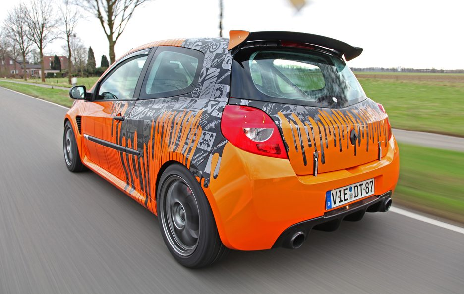 Renault Clio 200 Cup by Cam Shaft - Posteriore in motion