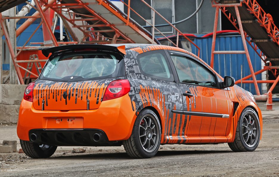 Renault Clio 200 Cup by Cam Shaft - Profilo posteriore