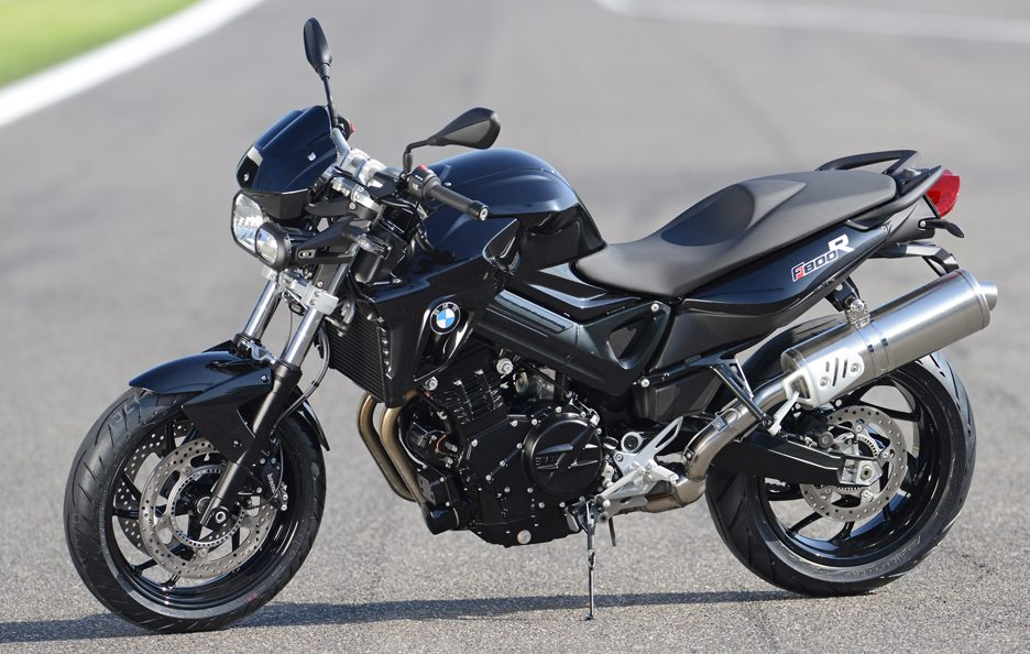 BMW F800R All Black - La linea
