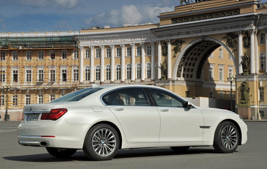 BMW Serie 7 2012 - Linee laterale